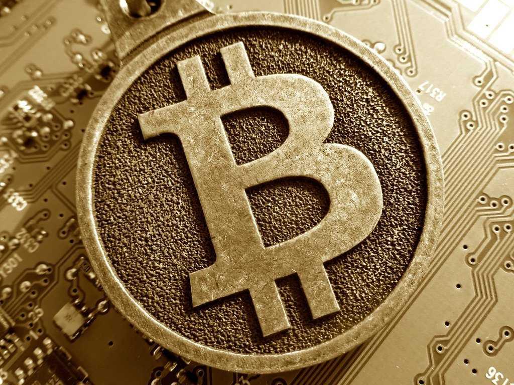 Самый лучший способ заработать биткоины (криптовалюты)